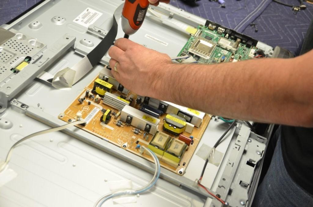 Сколько стоит ремонт ЖК телевизора